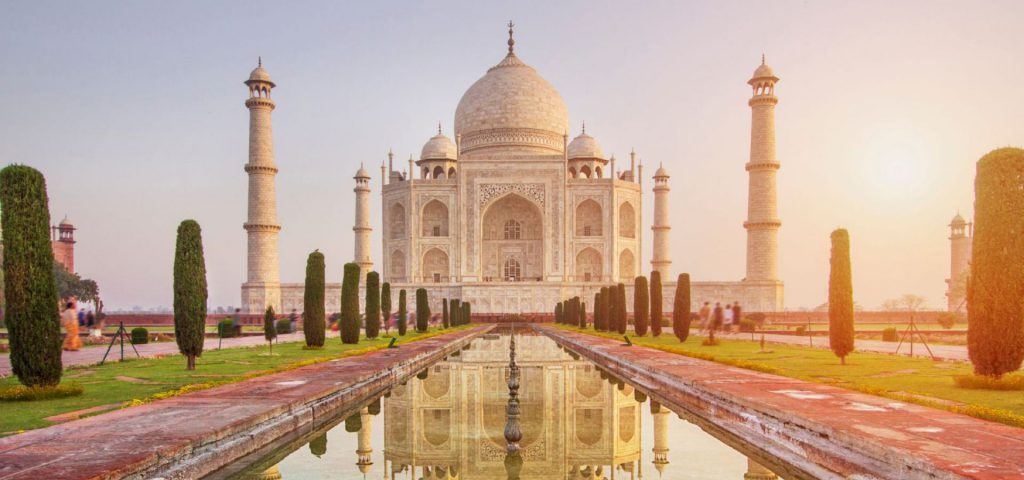 taj mahal india 1 Top 6 ancient monuments to visit in India