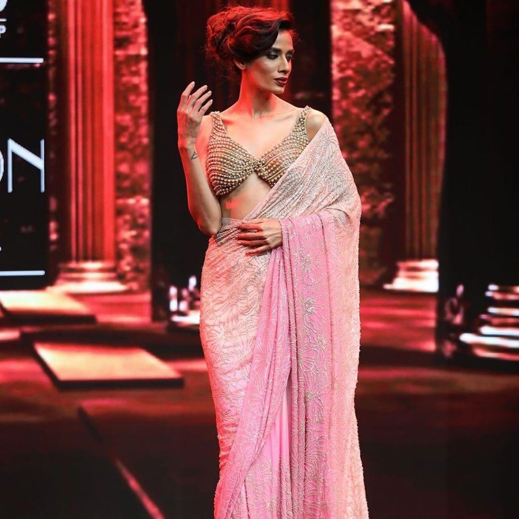 IMG 5513 Ravi Bajaj 60/70s throwback makes it big at phygital India Fashion Week