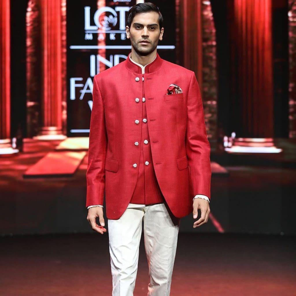 IMG 5514 Ravi Bajaj 60/70s throwback makes it big at phygital India Fashion Week