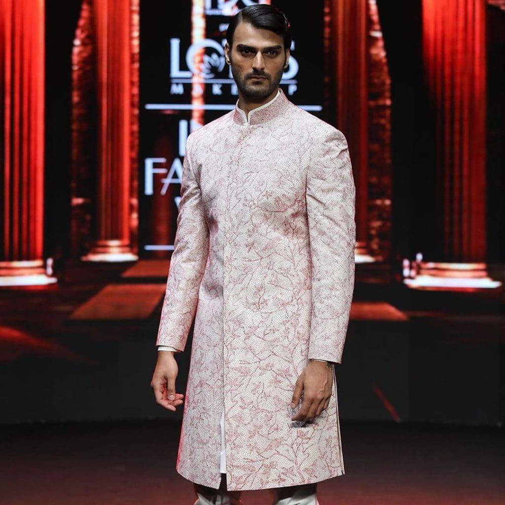 IMG 5516 Ravi Bajaj 60/70s throwback makes it big at phygital India Fashion Week
