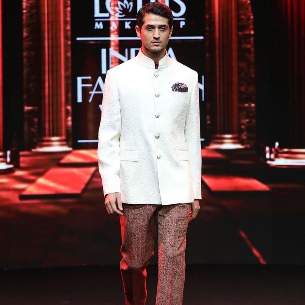 IMG 5520 Ravi Bajaj 60/70s throwback makes it big at phygital India Fashion Week