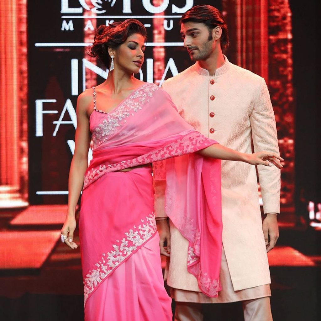 IMG 5521 Ravi Bajaj 60/70s throwback makes it big at phygital India Fashion Week