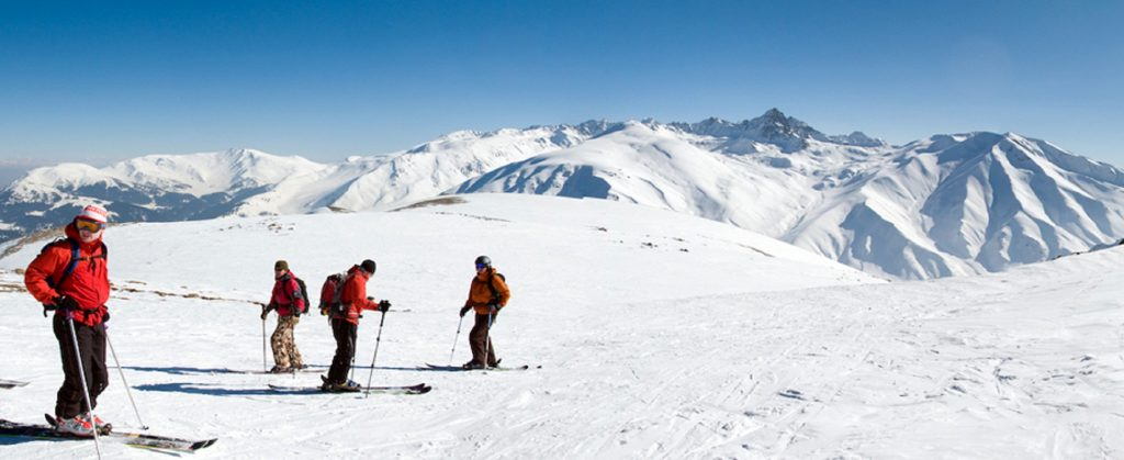 gulmarg siiking 1 Pump up the adrenaline with great outdoor activities