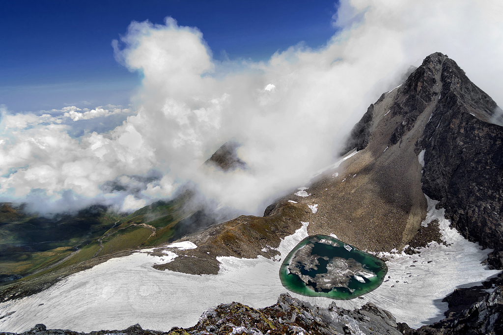 roopkund lake1 Pump up the adrenaline with great outdoor activities