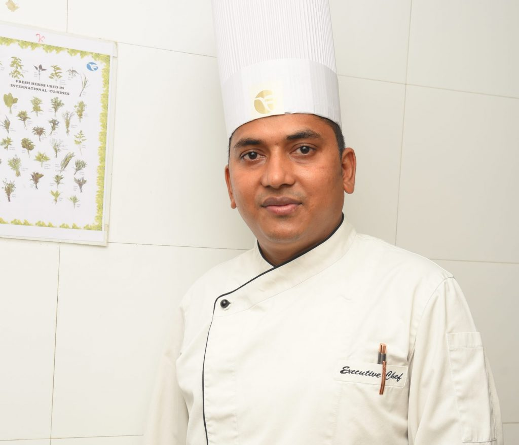 CHEF PRAKASH YADAVPHOTO scaled e1618378658847 My favourite dish to cook during Navratri: Exec Chef Prakash Yadav, Fortune Park Galaxy, Vapi, Gujarat
