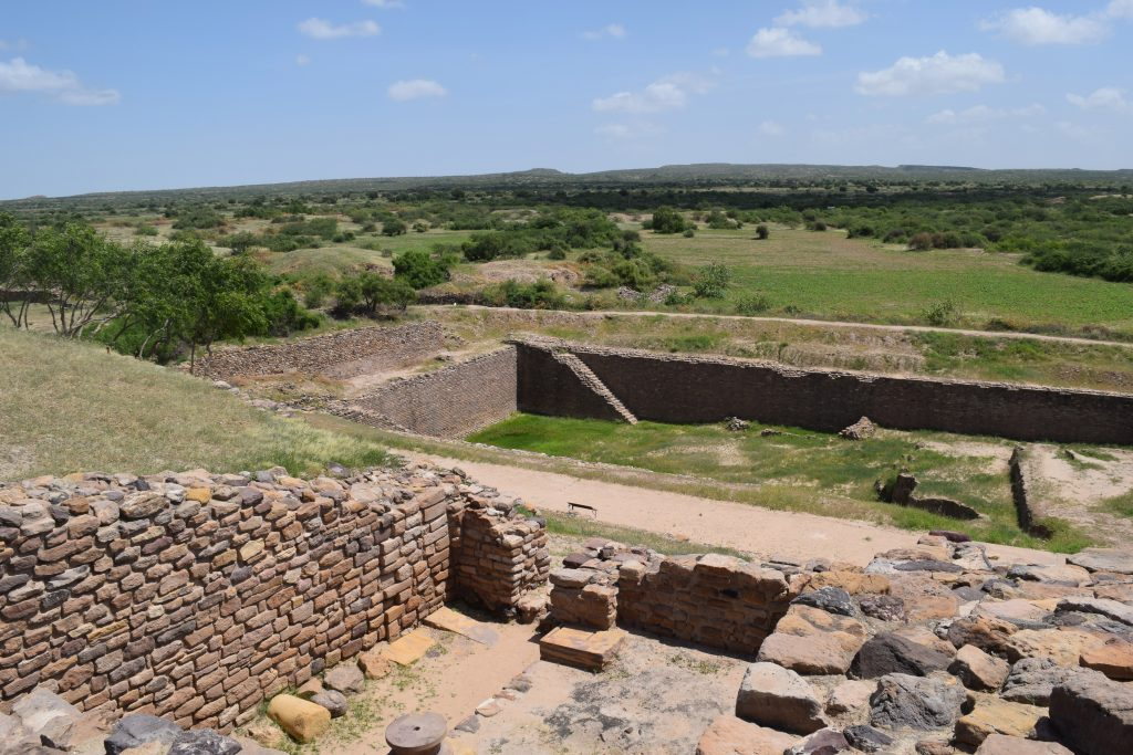DHOLAVIRA SITE 24 7 unique historical sites in India that will leave you in amazement and awe!