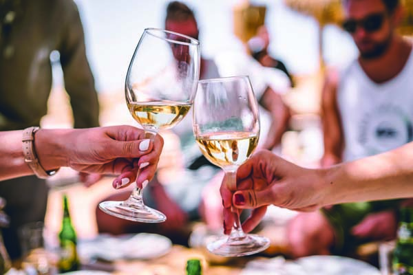 zan WrueFKpTlQs unsplash 6 excellent wine and cheese ideas for you to pair