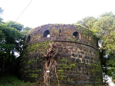 Belapur Fort Discover 7 awesome lesser known forts of Mumbai