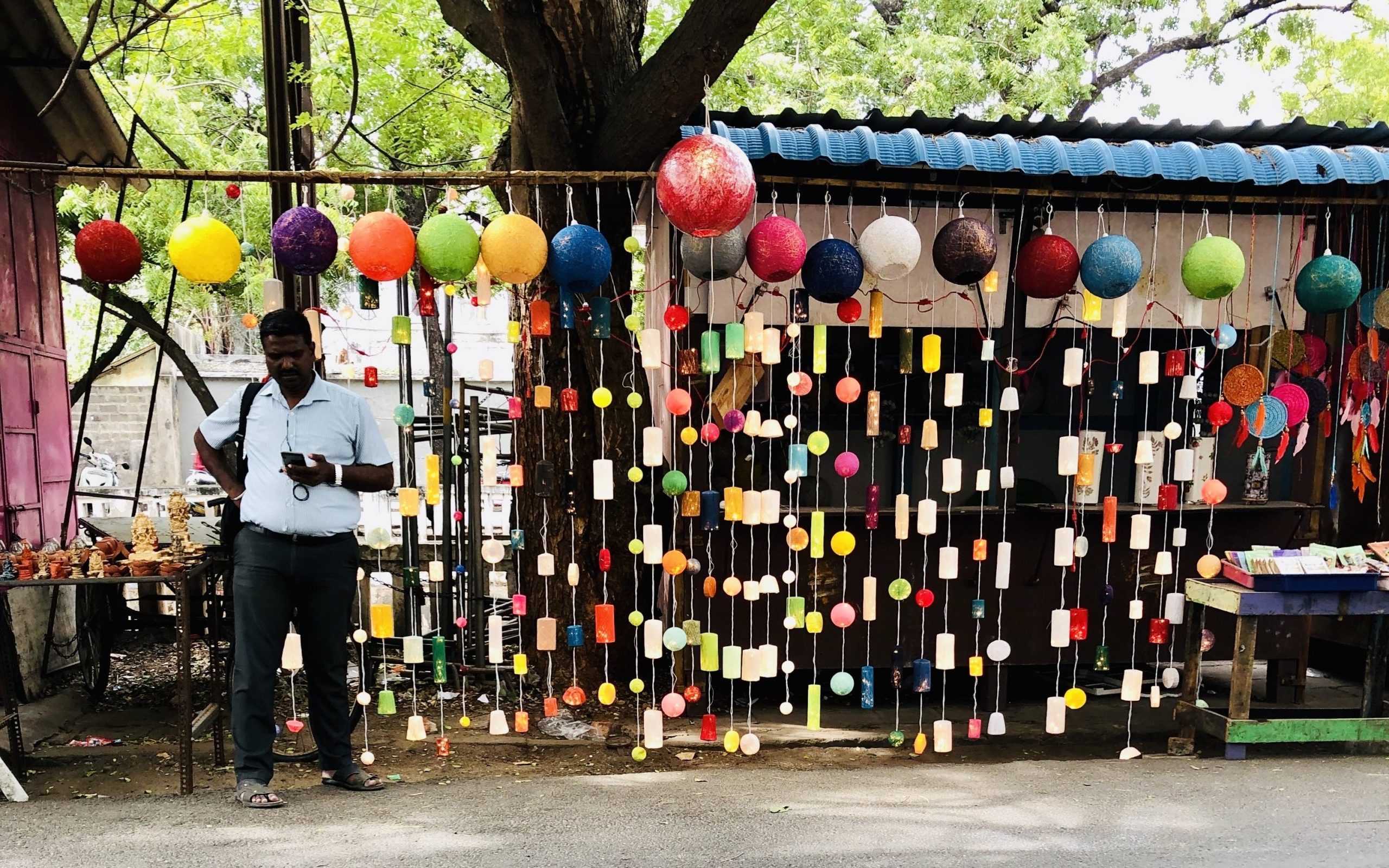 street shopping edited scaled 10 best places to visit in Pondicherry