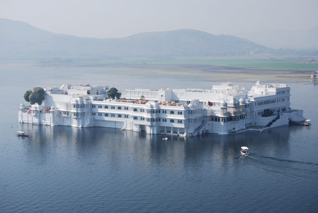 the lake palace 13 great leisure cities to visit in India