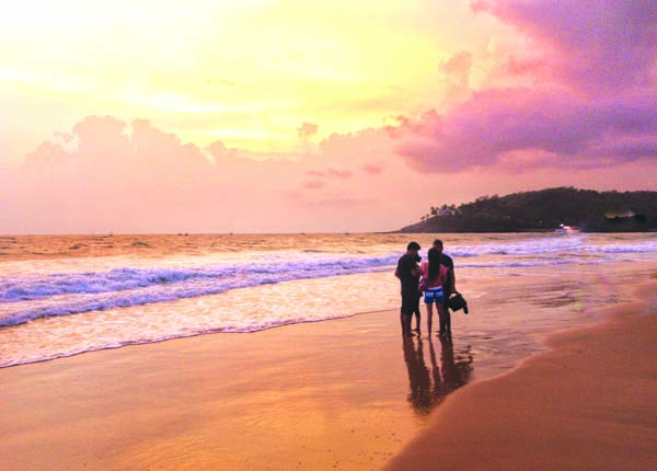 Baga Beach perminder klair dHlzA7PAng8 unsplash Check out these wonderful 10 places to chill in Goa